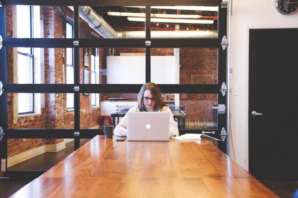 Imagen de flexilidad de horario y espacio de trabajo