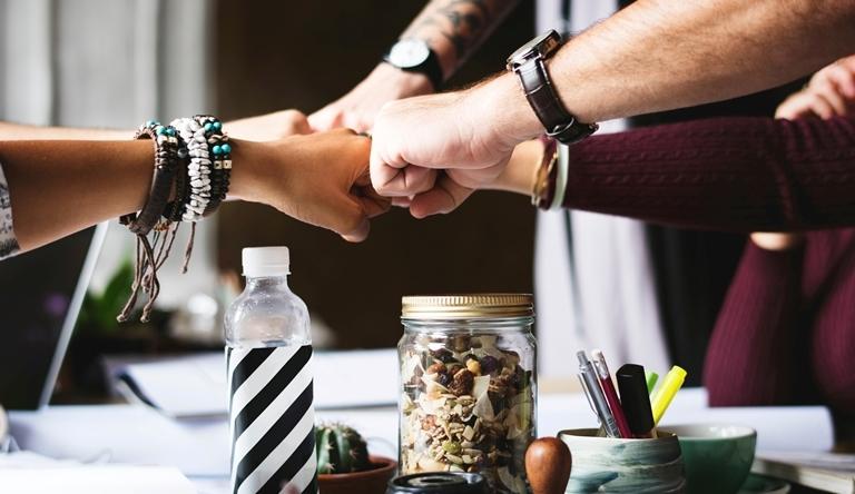 Trabajo en equipo, jornada Arende, Diseña y Emprende