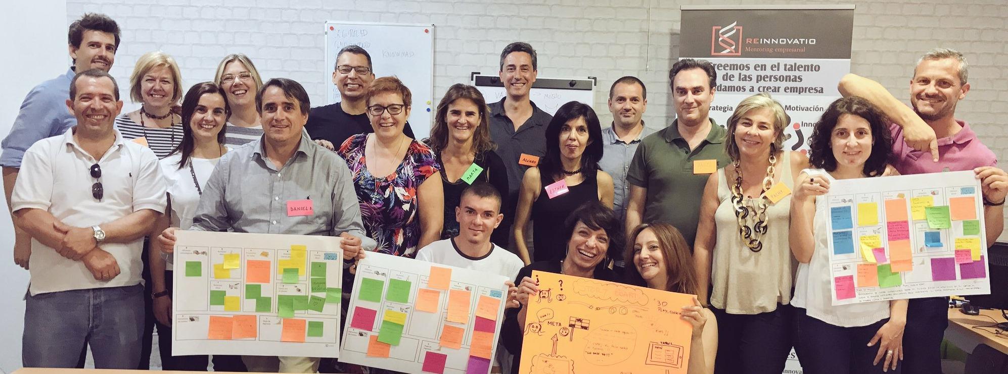Foto de los participantes en la 1ª edición de la Jornda Aprende, Diseña y Emprende